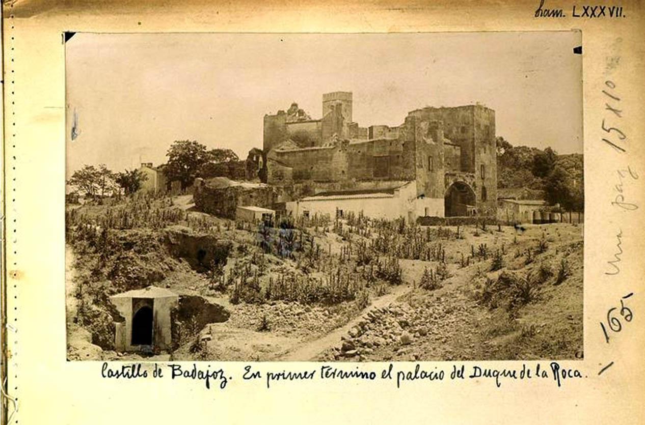 Lámina 2. El palacio del Duque de la Roca. Catálogo Monumental de la Provincia de Badajoz, hacia 1910.