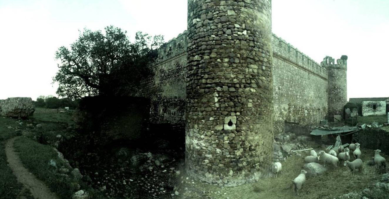 Lámina 1. Castillo de los Arcos, cerca de Almendral, Badajoz. ¿FUENTE?