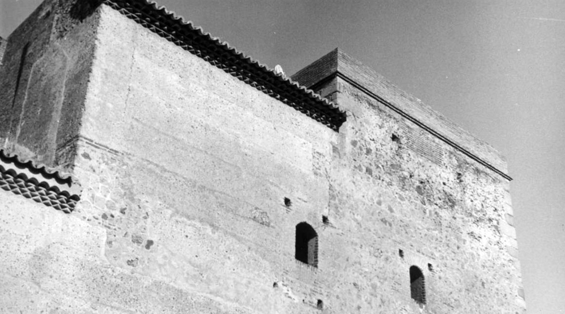 Lámina 3. La torre SE en 1976. Archivo RESGAL.