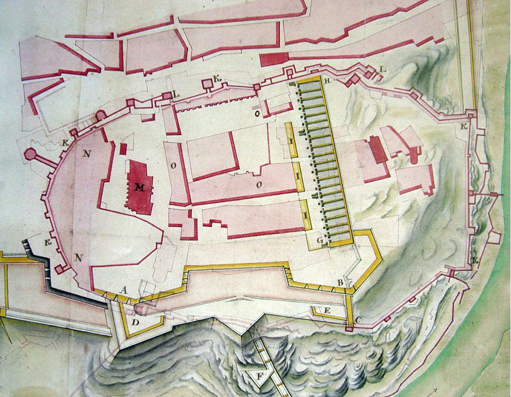 """Lámina 4. Detalle del plano de Ignacio de Salas de 1739. Con la letra O indica las """"Casas de particulares que presentemente sirven de Almazenes y Quarteles"""